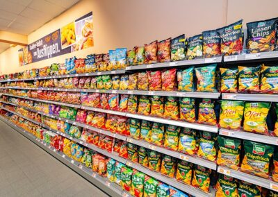 Snacks und leckere Chips bei EDEKA Wiesmeth in Ursensollen